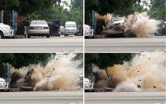 عکس لحظه انفجار خودرو بمبگذاری شده ..!