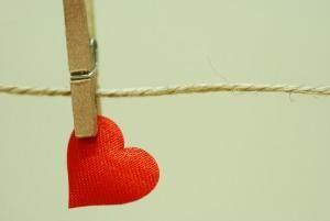 جرا عشق درد خانم ها را کم میکند..؟