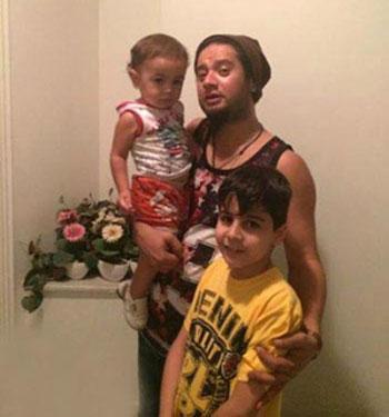 عکسهای جدید از فرزندان و همسر علی صادقی