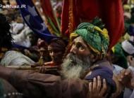 عکس هایی از مراسم عجیب درآوردن چشم در هند (16-)