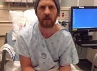 این مرد عجیب وسط عمل جراحی مغزش گیتار نواخت (عکس)
