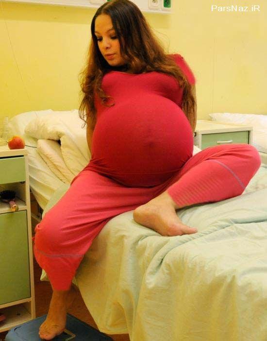 زنی23 ساله که با شکم خود در گینس ثبت شد (عکس)