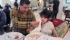 عکسی جالب از علی دایی در کنار دخترش
