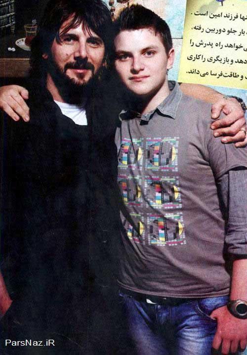 پسر امین حیای در کنار پدرش (عکس)
