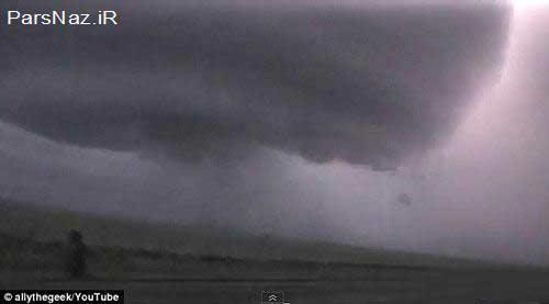 تصاویر فوق ترسناک ابر آذرخش دار شبیه بشقاب