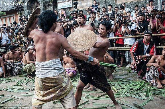 مراسم عجیب خدای جنگ توسط هندی ها (عکس)