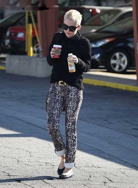 مایلی سایرس با تیپ متفاوت و دیدنی  (عکس)