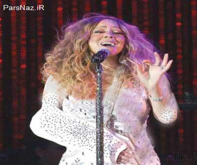 ماریا کری با دست مجروح آهنگش را اجرا کرد (عکس)