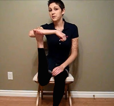 زنی با قابلیت برعکس کردن پای خود (عکس)