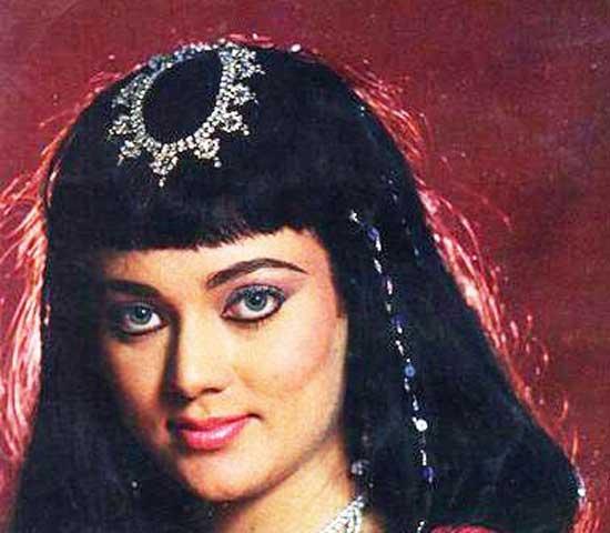 مشهورترین و جذاب ترین بازیگران زن در بالیوود (عکس)