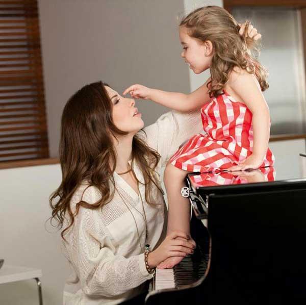 عکس های نانسی عجرم و دخترش