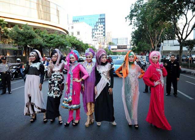 تصاویر جالب از شوی لباس در اندونزی