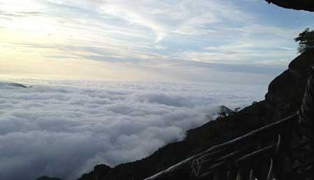 حیرت آورترین و ترسناک ترین گذرگاه های دنیا (عکس)
