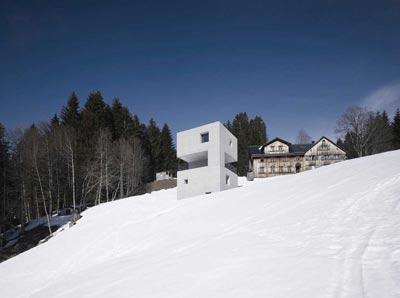 کلبه متفاوت و مقاوم در برابر برف (عکس)