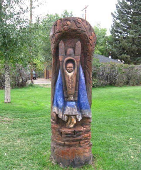 ایده جالب و بسیار هنرمندانه برای درختان مرده (عکس)