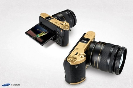 رونمایی دوربین عکاسی با بدنه ی  طلا  (عکس)