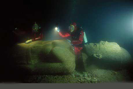 شهر افسانهای مصر خفته در آب (عکس)
