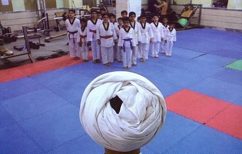 تکواندو و حضور طلبه (عکس)