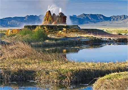 عجیب ترین آب گرم دنیا  (عکس)