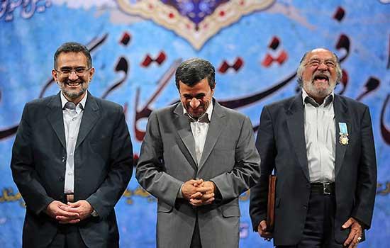 خنده ریز و بانمک دکتر احمدی نژاد در کنار بازیگر معروف (عکس)