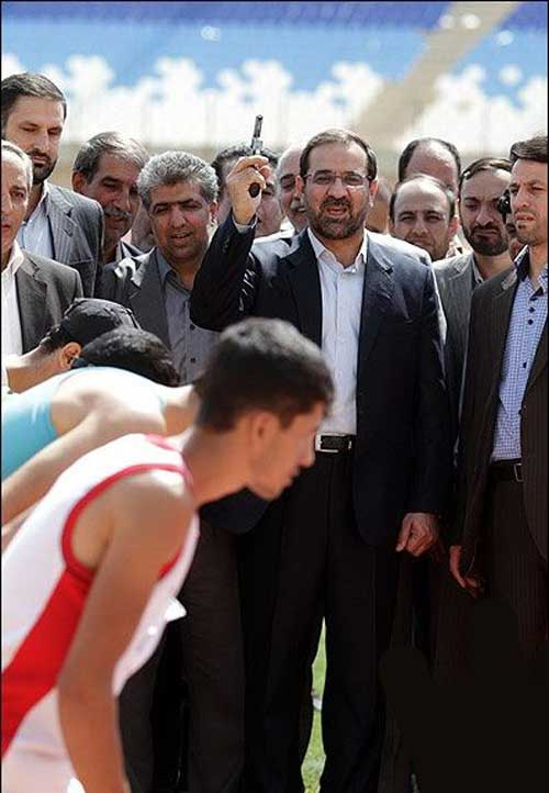 آقای وزیر 7 تیر کش می شود (عکس)