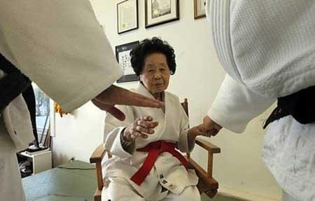 چه مادر بزرگ های باحالی (عکس)