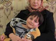 عکس پسر بچه به همراه مادر که بازیگر دودکش بود