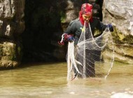 عکس جنجالی وقتی الناز شاکردوست  ماهیگیر می شود