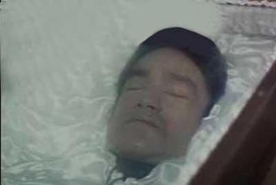 عکس جنجالی بروسلی بعد از مرگ