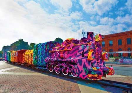 قطاری که بخاطر سرما لباس بر تن کرد