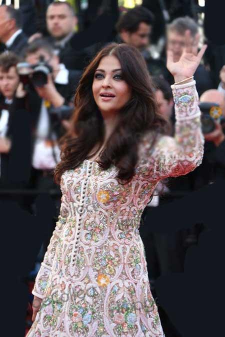 این زن در جشنواره فیلم کن به جذاب ترین ها برگزیده شد