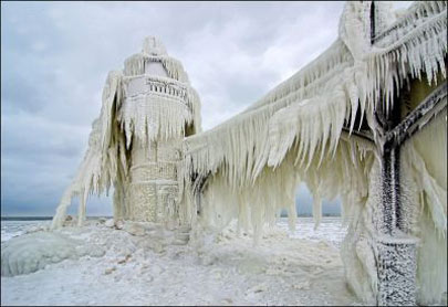 عکس های جالب از فانوس یخ زده
