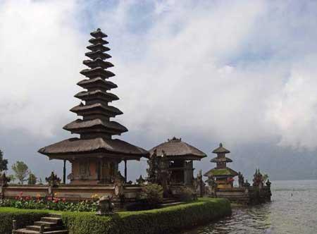 تصاویری از معبد پورا براتان