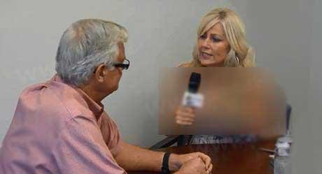 روزنامه نگاری که در برنامه پخش زنده لخت شد (عکس)