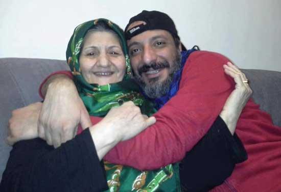 عکس ویژه و جنجالی از امیر جعفری و مادرش
