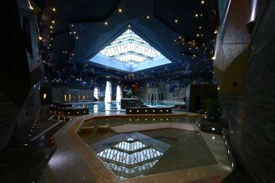 فوق العاده ترین استخر آسیا در اصفهان (عکس)
