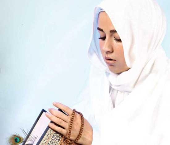 بازیگر مشهور زن ایرانی که نمازش را اول وقت بجا می آورد