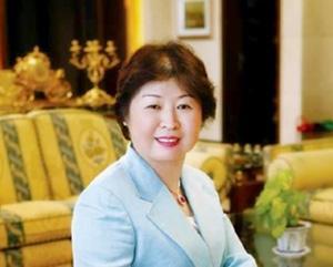 ایا می دانید پولدارترین زن آسیا کیست؟ (عکس)
