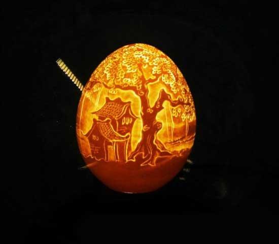 هنرهای باور نکردنی روی تخم مرغ (عکس)