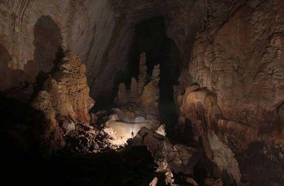 کشف شگفت انگیز، بزرگترین غار جهان (عکس)