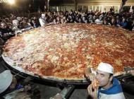 تاحالا پیتزا به این بزرگی دیده بودید؟ (عکس)