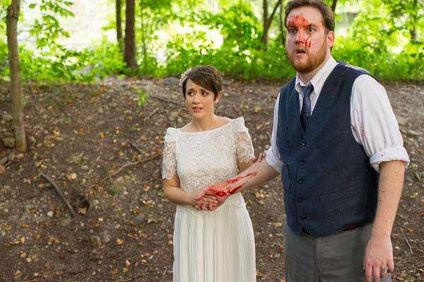 حمله زامبی ها به عروس و داماد در جنگل (+18)