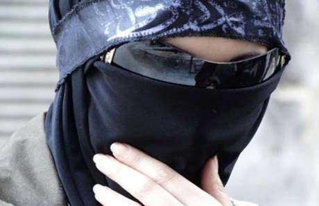 آموزش نظامی دختران علیه دولت سوریه (عکس)