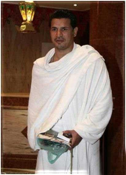 تصاویر دیدنی از علی دایی در لباس احرام