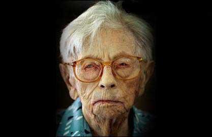عکس باورنکردنی مرد 256 ساله با 23 زن