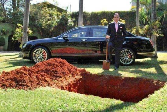 عجیب ترین خاکسپاری در آینده (عکس)