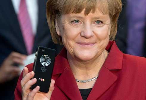 عکس های جنجالی از مدل گوشی رهبران سیاسی برجسته دنیا