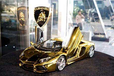 گران قیمت ترین اتومبیل جهان با بدنه طلا و جواهر