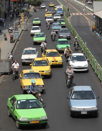 تصاویری از رانندگی بی نظیر بعضی از ما ایرانیان در خیابان های شهر