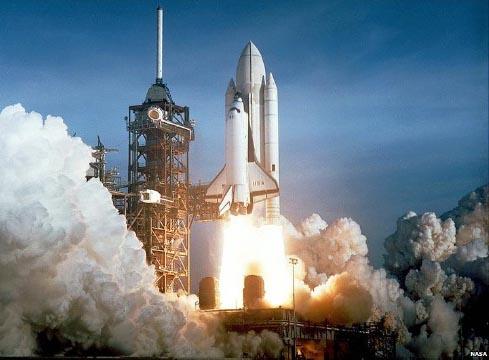 نمایش پست :برسی تاریخچه ۳۰ ساله شاتل فضایی ..(عکس)